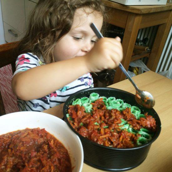 nudeln-kinder-tomaten