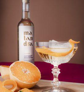 cocktailrezept für zuhause mit brasilianischem schnaps und ingwer
